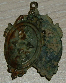 Médaillon pivotant - probable XVIIème Imgp1125