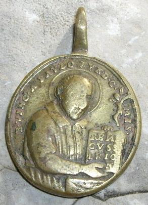 Jolie médaille de  Saint-Vincent-de-Paul (datation entre 1729 et 1737) Imgp3715