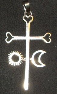 Crucifix avec Soleil et Lune Imgp9412