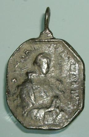 Médaille Vierge (Piéta) et Sainte Marie Madeleine de Pazzi - XVIIème Imgp9526
