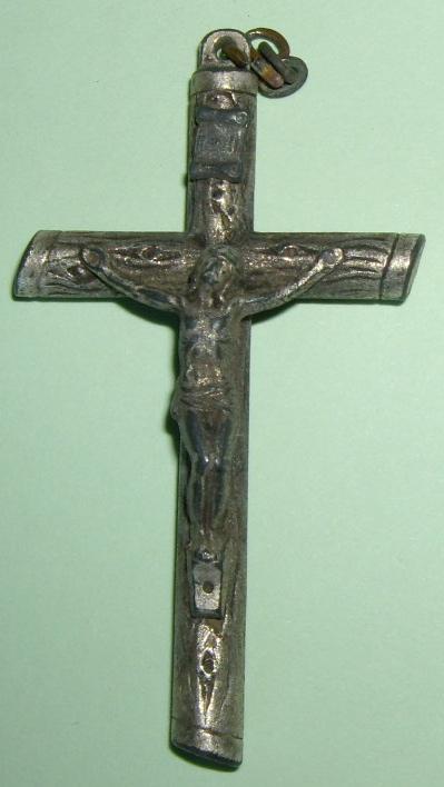 Crucifix argenté XIXe siècle. Imgp9627