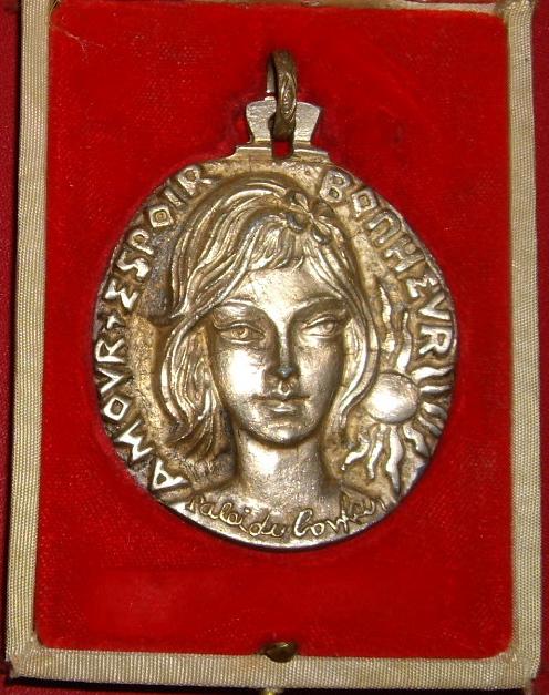 Médaille d'Amour  espoir et bonheur Imgp9716