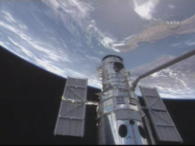 [STS-125] Atlantis : la mission - Page 6 Vlcsna15