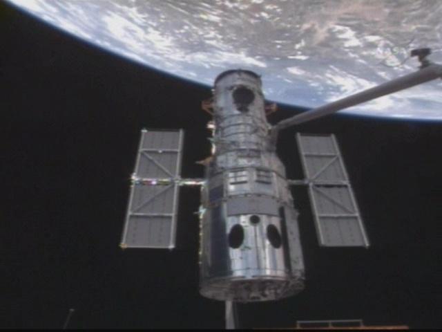 [STS-125] Atlantis : la mission - Page 6 Vlcsna16