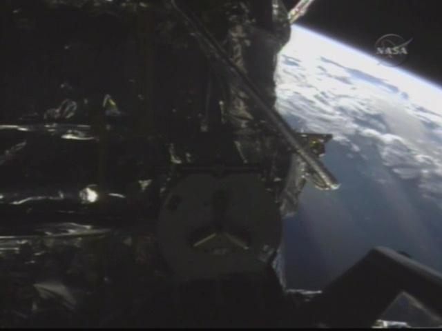[STS-125] Atlantis : la mission - Page 6 Vlcsna17