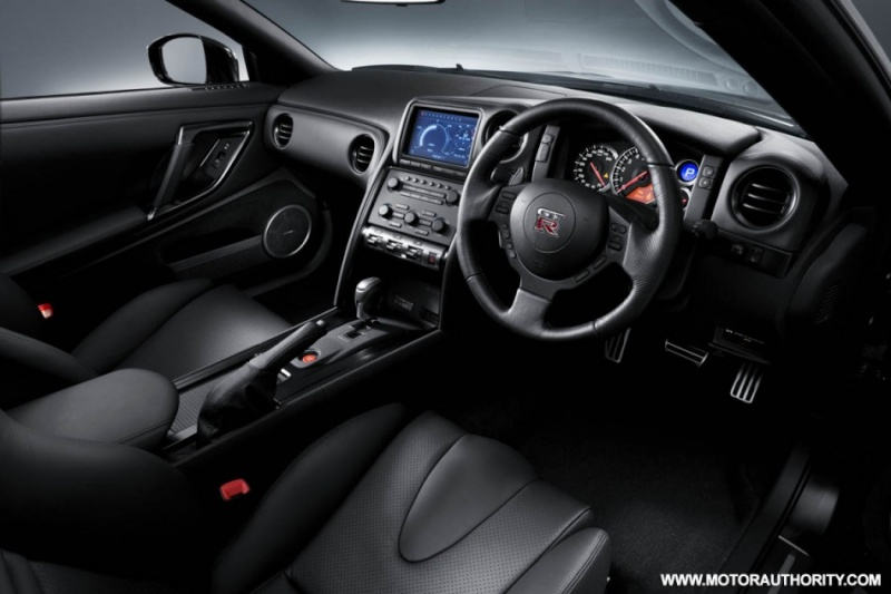 2007 - [Nissan] GT-R - Page 12 2010_r12