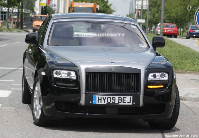 2009/11 - [Rolls-Royce] Ghost / Ghost EWB - Page 8 2010_r13
