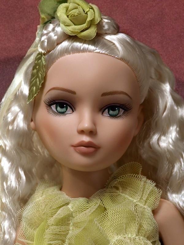 2009 - Ellowyne Wilde - Sweetly Sullen 199_2_10