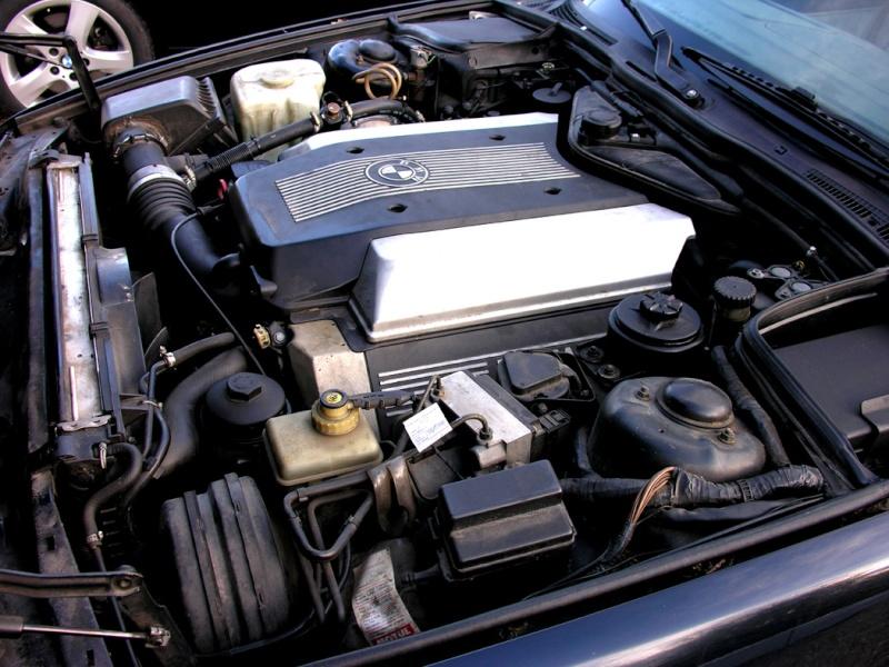 530 V8 Touring Moteur10