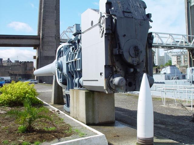 [Les ports militaires de métropole] Port de Brest - TOME 1 - Page 6 0508_010