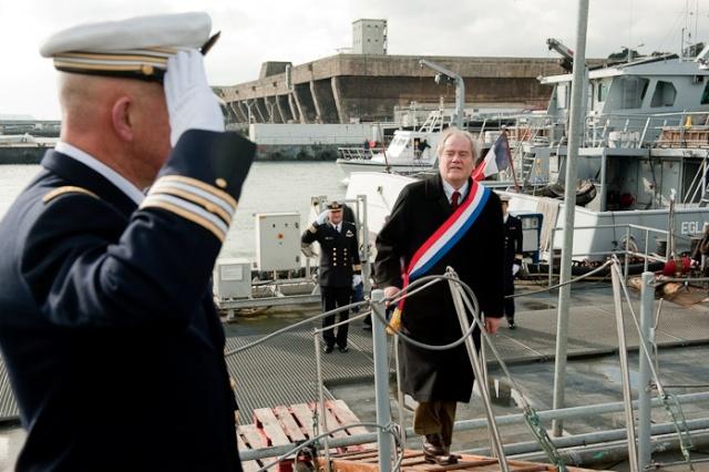 Dossier : Désarmement et déconstruction de CMT français - Page 4 10bst010