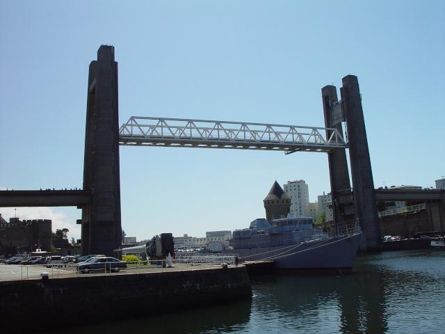 [Les ports militaires de métropole] Port de Brest - TOME 1 - Page 6 19_aou10