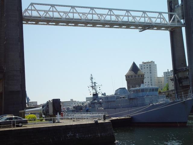 [Les ports militaires de métropole] Port de Brest - TOME 1 - Page 6 19_aou11