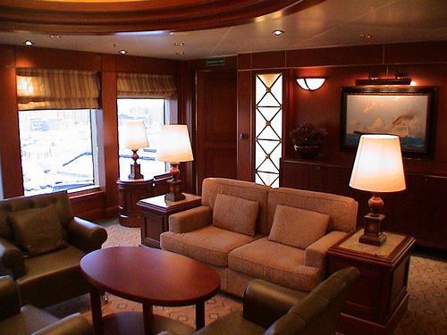Cunard Queen Victoria Christmas Review December 11 2008 29498610