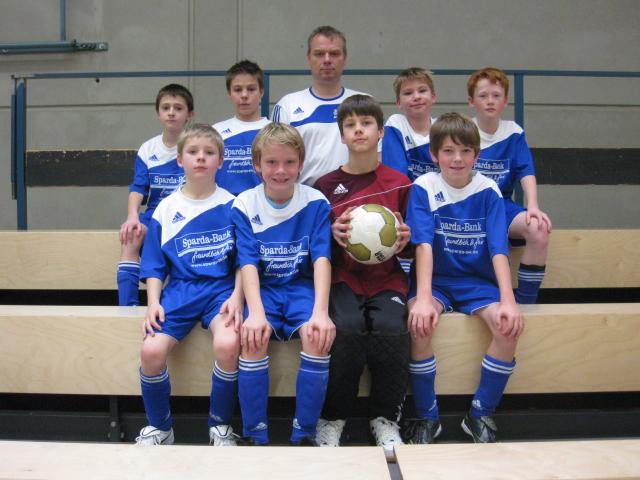 Vorrunde Hallenkreismeisterschaft: Souverän weiter Hkm20110