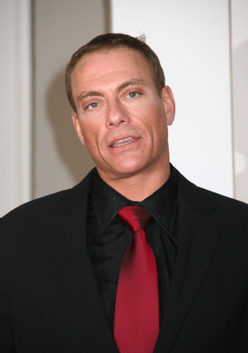 Van Damme - Page 2 10751110
