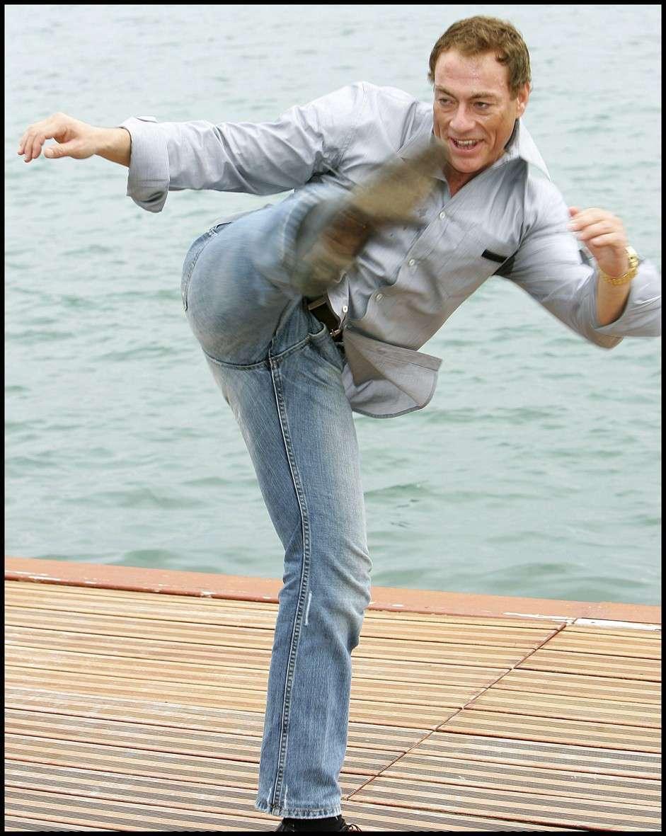 Van Damme - Page 2 Jcvd10