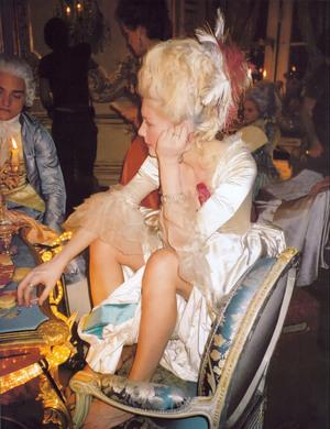 """Le """"Marie Antoinette"""" de Sofia Coppola en live et réflexions subséquentes - Page 5 610"""