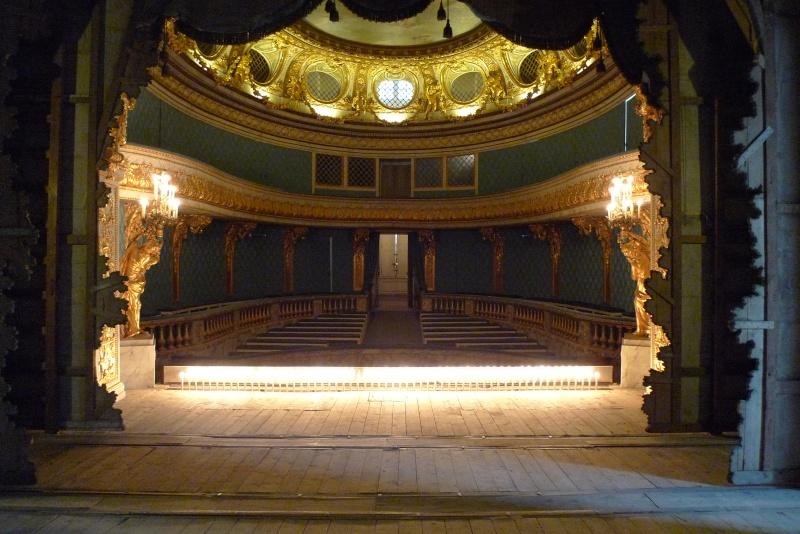 théâtre - le petit théâtre de Marie-Antoinette à Trianon - Page 8 P1060310