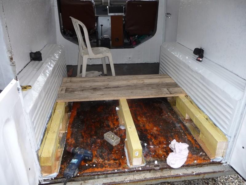 Présentation & Restauration : Transformation d'un type H en camping car moderne ! P1070713