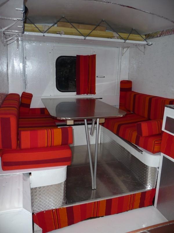 Présentation & Restauration : Transformation d'un type H en camping car moderne ! P1080310