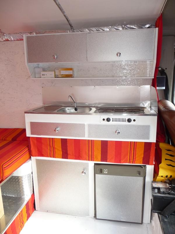 Présentation & Restauration : Transformation d'un type H en camping car moderne ! P1080312
