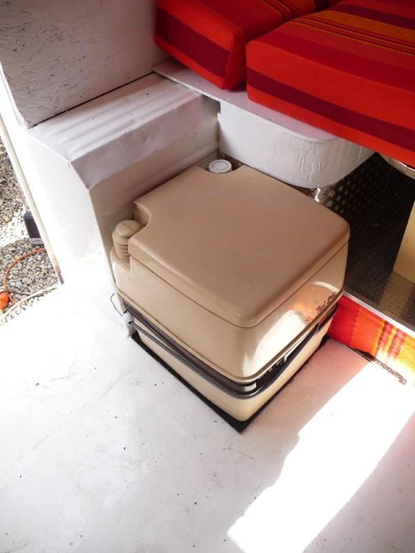 Présentation & Restauration : Transformation d'un type H en camping car moderne ! P1080314
