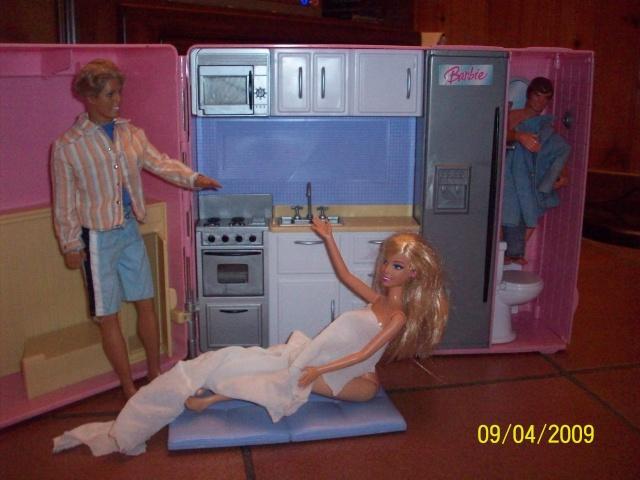 E ora sbarca pure Barbie..... 100_3620