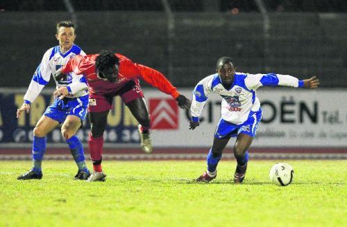 [CFA] FC Mulhouse / USL Dunkerque 28/02/2009 - Page 3 Mabidi11