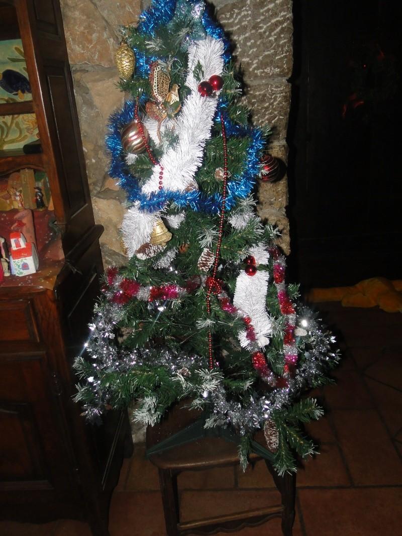 MA CRECHE DE NOEL 2010 et maintenant celle de 2011  Dsc08853
