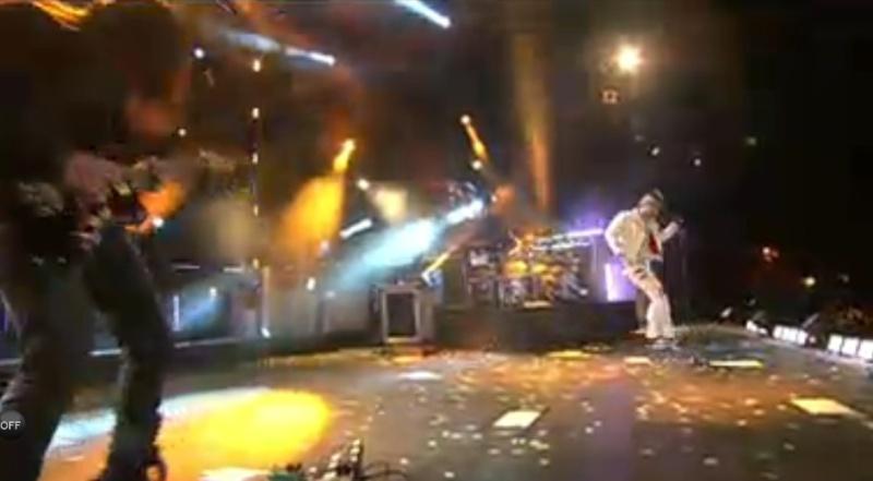 MTV EMA Cérémonie - Page 9 Tomoja10