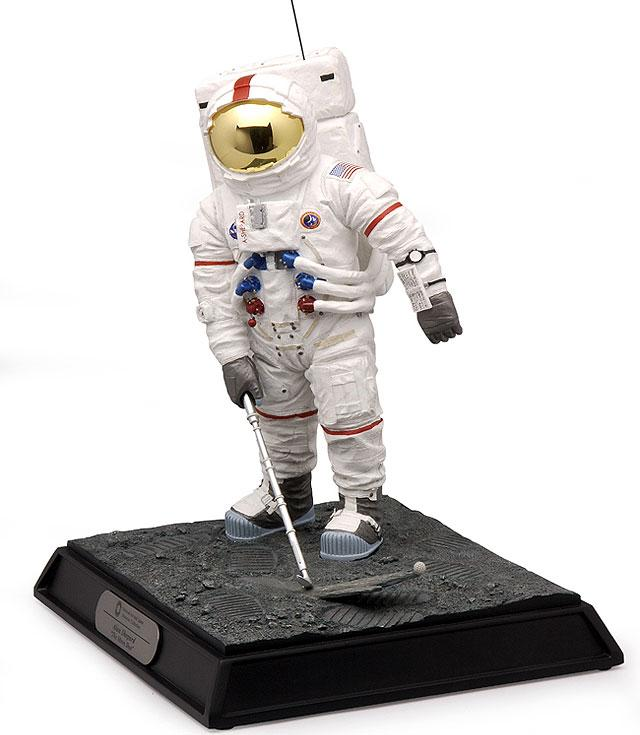 "Figurine Alan Shepard Apollo 14 ""Golf Shot"" 33275410"