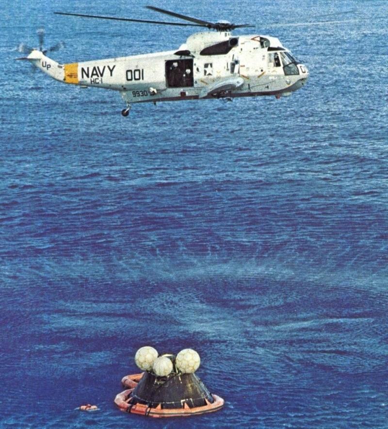 Premiers tests des procédures de récupération en mer d'Orion - Page 3 Apollo11