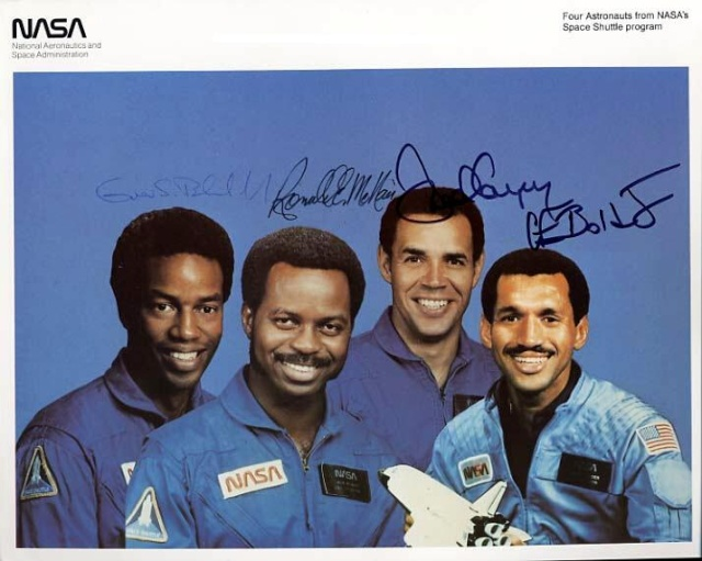 Michael Griffin quitte la NASA, Bolden pour le remplacer - Page 8 Astron11