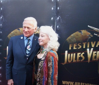 Buzz ALDRIN encore à Paris le 24 avril / Le Jules Verne Festival - Page 3 Dscn7016