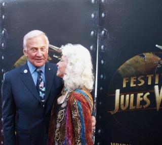 Buzz ALDRIN encore à Paris le 24 avril / Le Jules Verne Festival - Page 3 Dscn7018
