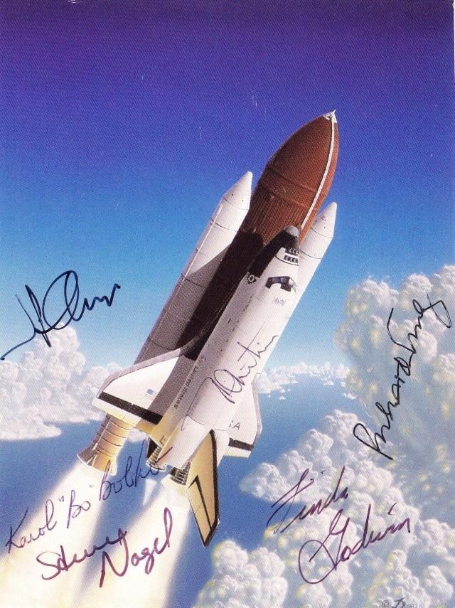30ème anniversaire de la Navette Spatiale en 2011 - Page 2 Space_11