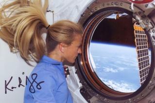 Karen Nyberg remplaçante de l'équipage ISS 33. Sts-1213