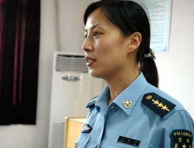 Une chinoise dans l'espace en 2012 Wangya10