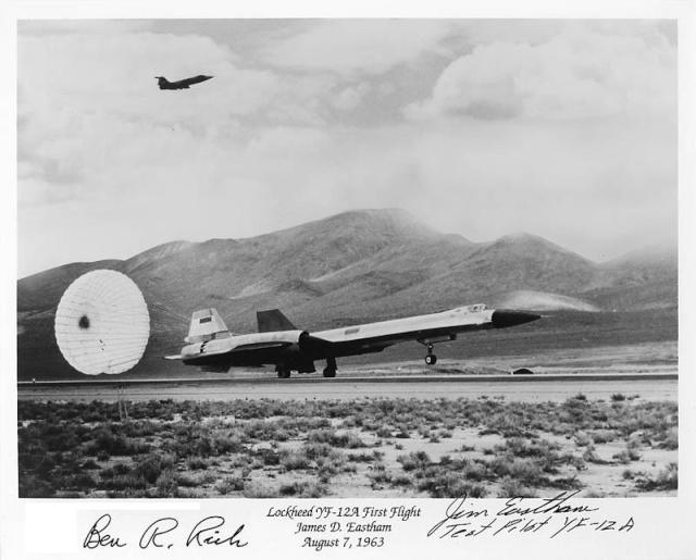 Pour les amoureux du Blackbird (et il y en a) et pour le plaisir des yeux... Yf-12a10