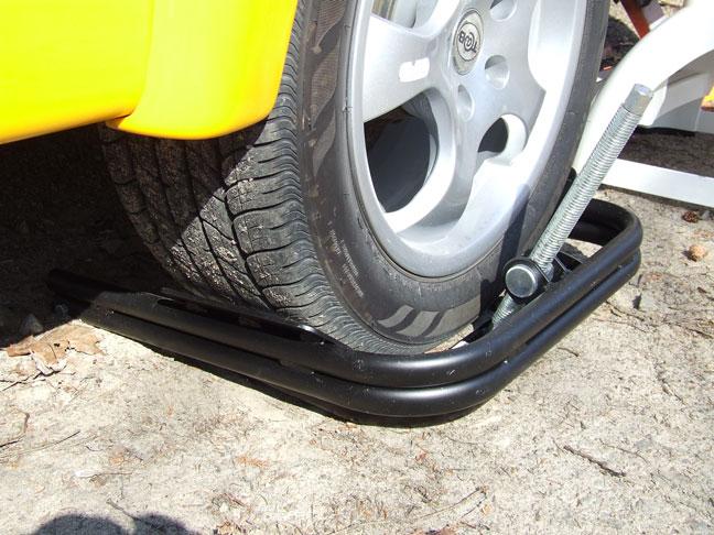 Nivellement latérale de la roulotte (bal light tire leveler) 017b10
