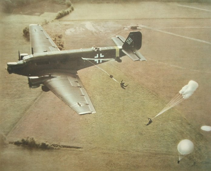 Parachutistes Allemands Largag10