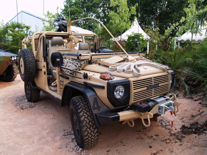 1e1er rpima avec leur véhicule de patrouille spéciale P1011710