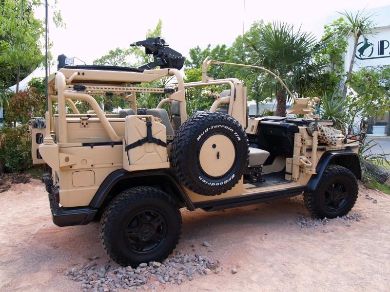 1e1er rpima avec leur véhicule de patrouille spéciale P1011711