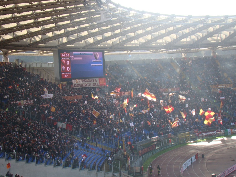 AS Roma 2-1 AC Siena ( 22ème journée ) - Page 9 0910ro10
