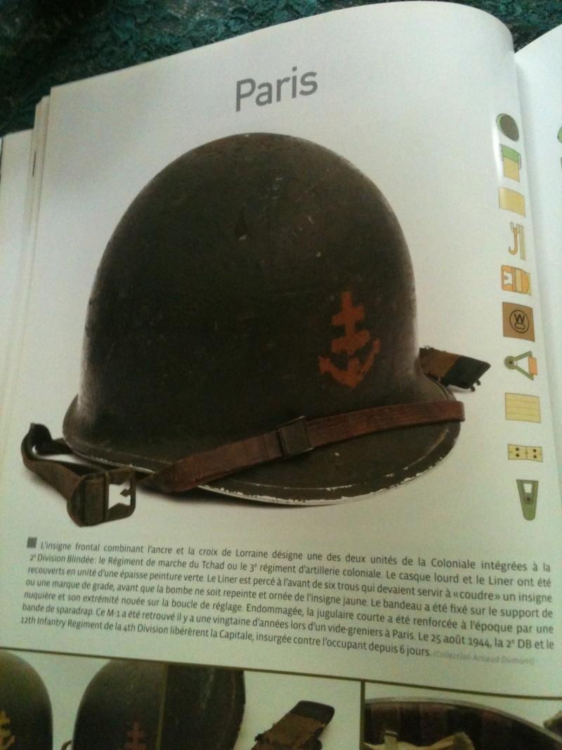 Un casque du RMT de la 2ème DB bien sympa et un peu d'Allemand. Img_1810