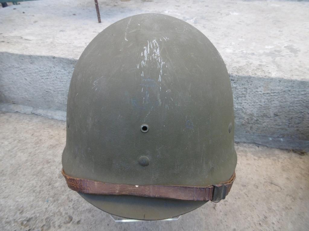 Un casque du RMT de la 2ème DB bien sympa et un peu d'Allemand. Ww411