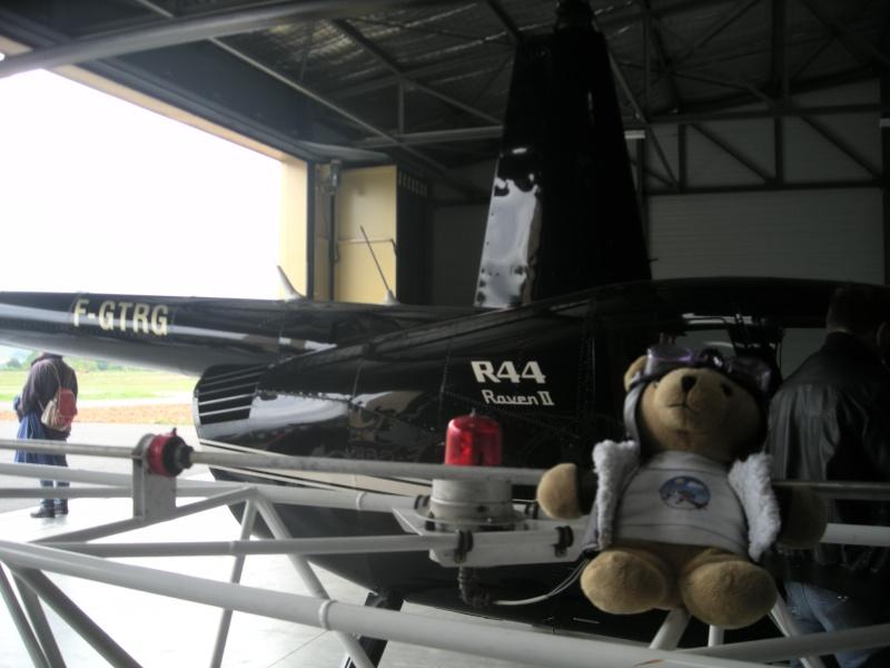 Les vols de la mascotte - Page 5 Alex_011