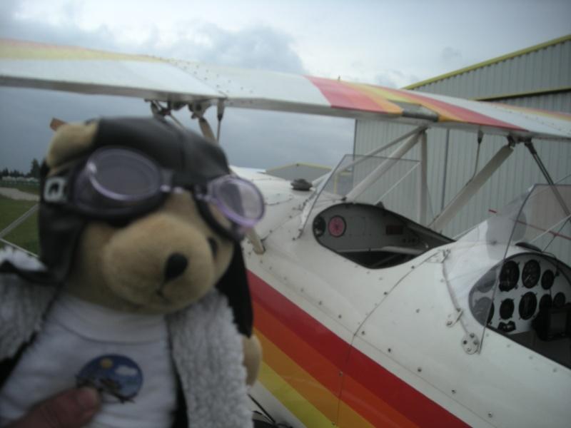 Les vols de la mascotte - Page 5 Alex_015