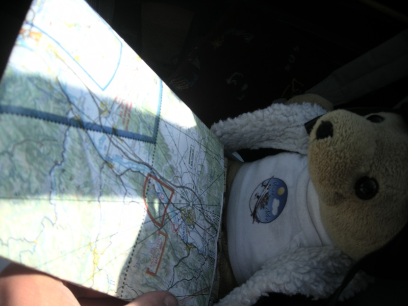 Les vols de la mascotte - Page 5 Alex_020